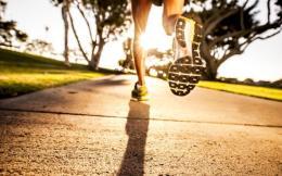 这种鞋垫可通过走步收集能量 为可穿戴设备供电