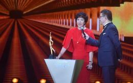 2016体坛风云人物颁奖:女排成最大赢家 马龙朱婷分获最佳男女运动员