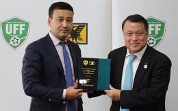 日本足协乌兹足协达成5年合作