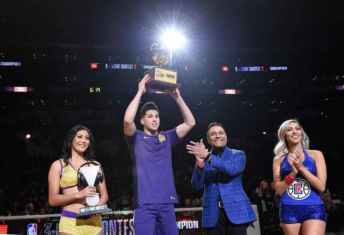 NBA全明星单项赛:布克加冕三分王 米切尔复制卡特壮举
