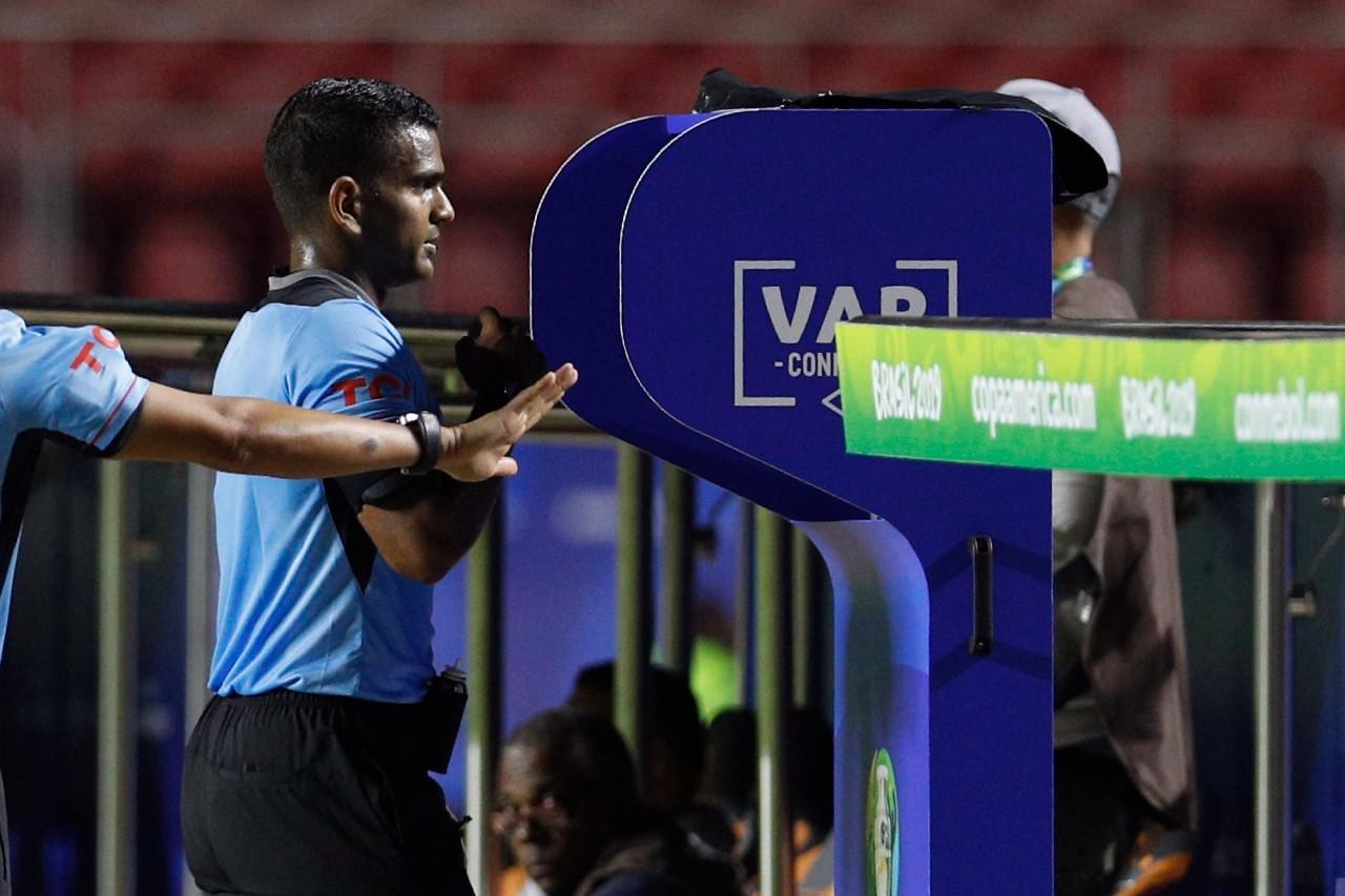 国际足联理事会要求德甲和英超规范使用VAR