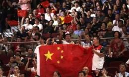 7天辗转8城看10场比赛!死忠球迷折射篮球世界杯观赛产业链