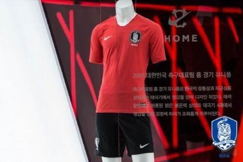 耐克与韩国足协签订12年14.21亿元赞助合同,年赞助费超中国