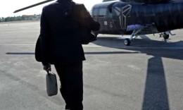 科比所乘直升机机龄29年,每10万飞行小时致命事故概率为0.22