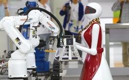 耐克打造机器人物流 称可替代四分之三人力