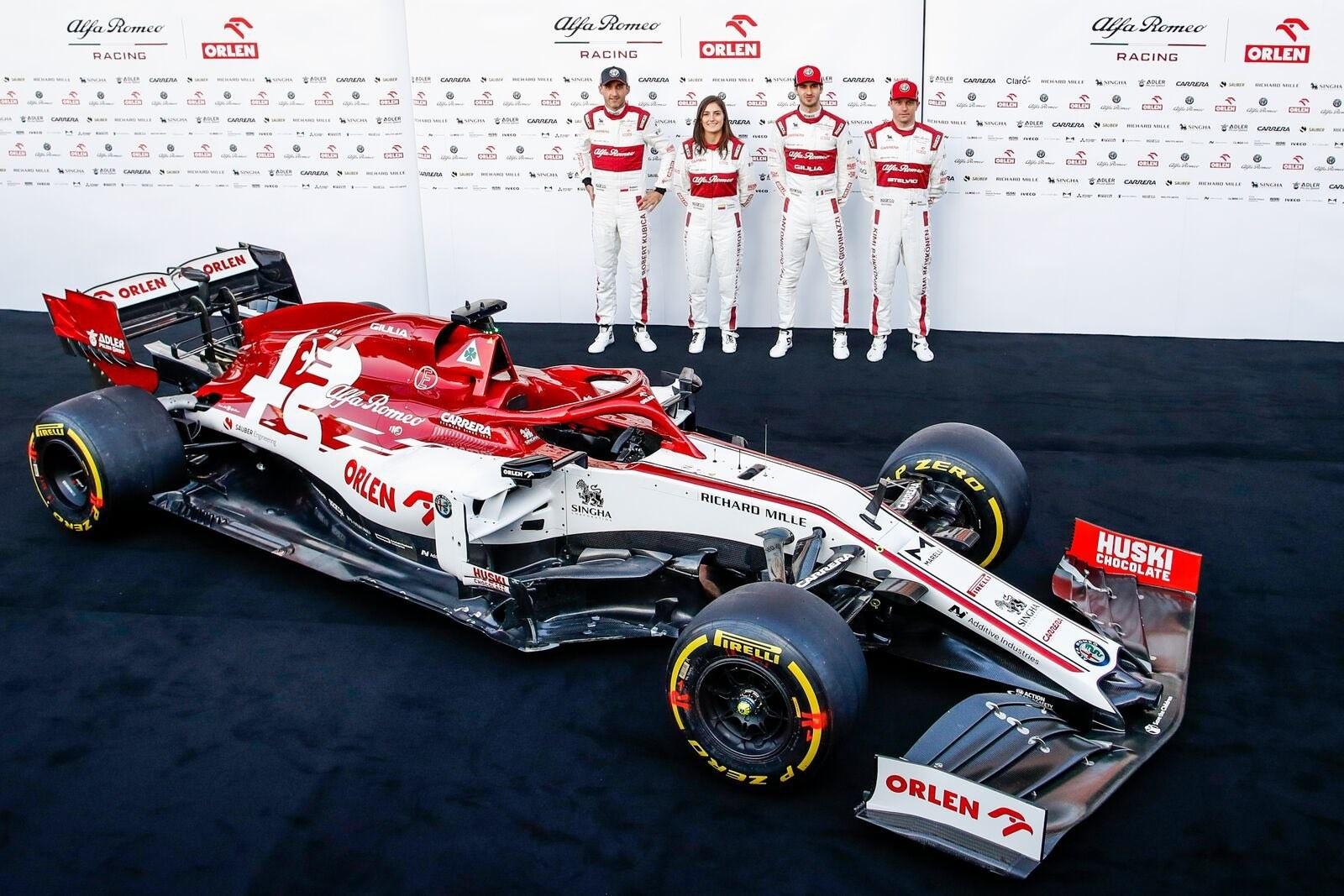 F1阿尔法·罗密欧新车C39亮相