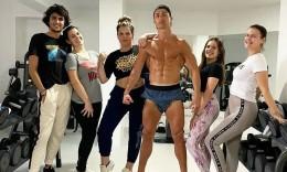 C罗姐姐Ins晒全家健身照 总裁半裸秀健硕肌肉