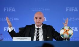 """国际足联主席重申""""健康第一""""原则:不要为恢复比赛冒险"""