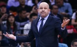 曝首钢男篮未与主教练雅尼斯续约 剩余赛季或由解立彬接任