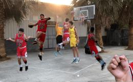 2年模仿百大篮球明星、神还原詹姆斯王哲林,中国模仿帝有个演艺梦