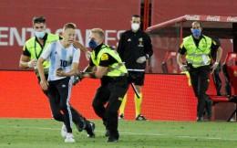 西甲将对闯入巴萨比赛球迷提起刑事诉讼