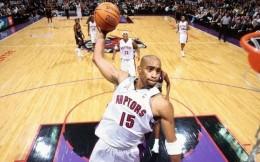 22年NBA最长生涯却屡成短命代言一哥!卡特的商业营销悖论成谜