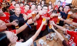 全球唯一拜仁夺冠庆典亮相上海 卡恩携众球星送出独家祝福
