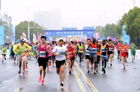 江苏盐城马拉松10月25日开跑