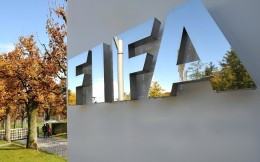 国际足联:故意向赛事官员或其他球员咳嗽的球员将被红牌罚下