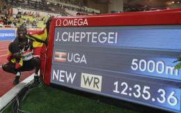 打破尘封16年男子5000米世界纪录,23岁乌干达选手切普特盖跑出12分35秒36