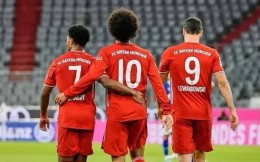 德甲揭幕战拜仁8-0血洗沙尔克04 萨内首秀传射格纳布里戴帽