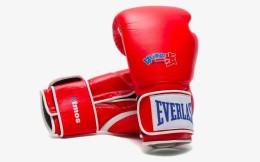 美国拳击装备生产商Everlast 与日本鞋店atmos推出联名款产品