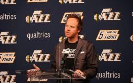 体育产业早餐10.29|科技新贵16.6亿美元收购爵士 NBA收入83亿下降10%