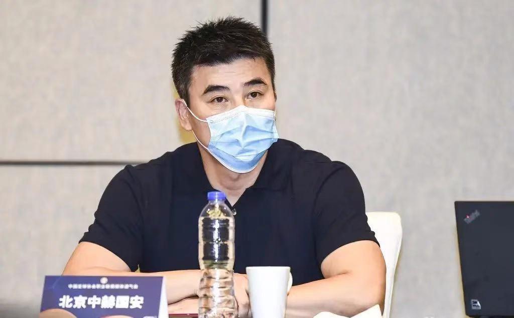 沪媒:李明不会出任中超职业联盟首届主席 候选人需满足五大条件
