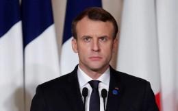 法国总统马克龙悼念球王:上帝突破所有人防守 将马拉多纳带回天堂