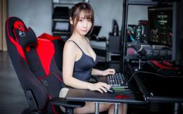 日本Coser伊织萌担任Bauhutte电竞椅代言人