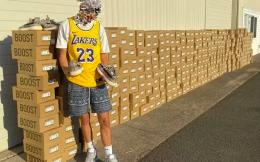 耐克女高管因儿子炒鞋丢饭碗,背后是20亿美元的球鞋转售市场