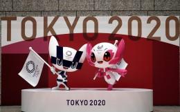 纪念奥运倒计时100天!日本揭幕两个吉祥物雕像
