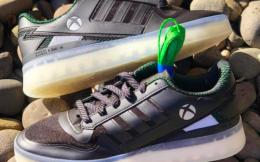 微软将与阿迪达斯合作推出Xbox主题运动鞋