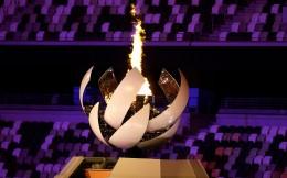 东京奥运正式拉开帷幕!日本网球名将大坂直美点燃主火炬