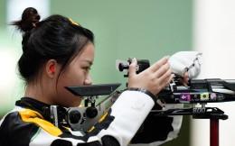 打破奥运会纪录夺首金!杨倩夺得女子10米气步枪金牌