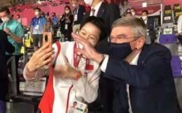 国际奥委会主席巴赫赛后看望吴静钰