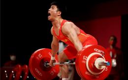 男子第一金!举重男子61公斤级李发彬夺得中国奥运第五金