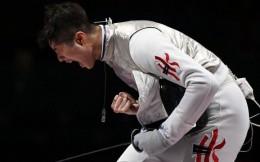 香港回归后首枚金牌!张家朗摘下男子击剑花剑金牌