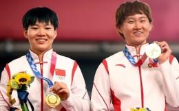 國際奧委會要求中國調查鐘天使、鮑珊菊頒獎禮佩戴像章一事