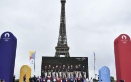 埃菲尔铁塔将悬挂巨幅旗帜喜迎巴黎奥运会