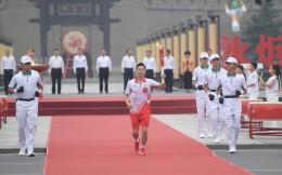 全运圣火传递开跑,奥运冠军秦凯担任第一棒火炬手
