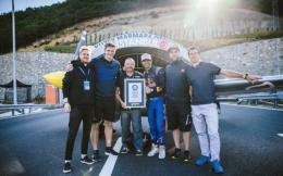 奥地利红牛签约特技飞行员连获5项吉尼斯世界纪录