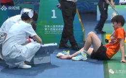 奥运冠军陈雨霏的李宁鞋在比赛中开裂并划伤脚趾