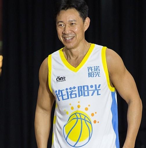壹球因使用张丰毅照片售卖篮球课程被判赔偿7万元